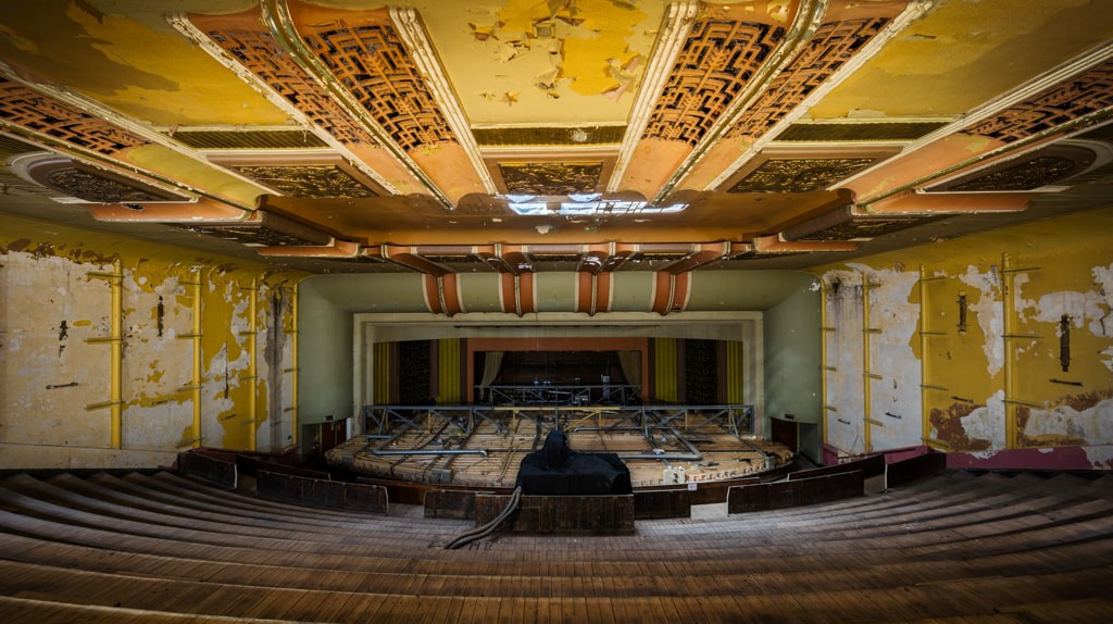 The old cinema before the renovation