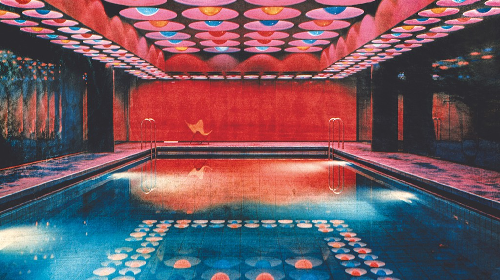 Swimming pool in the Spiegel building