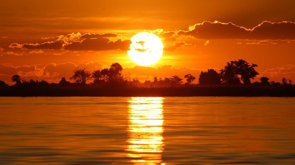 Botswana sunset over the Chobe River ©Joachim Huber/Flickr