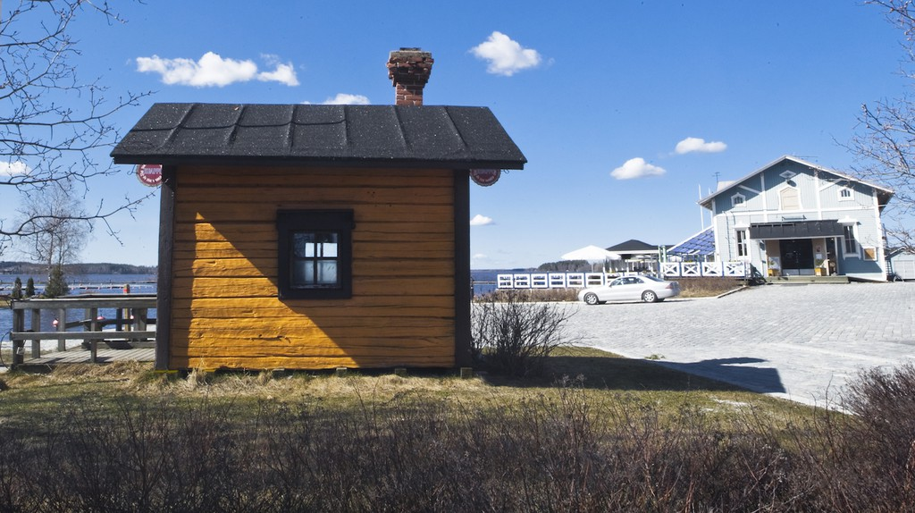Kuappi, the world's smallest restaurant, is located in Iisalmi, Finland.