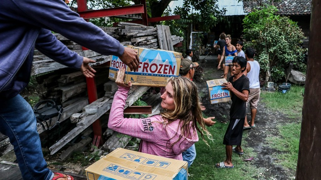 The Lombok community is working around the clock to source supplies and deliver aid to the areas most in need