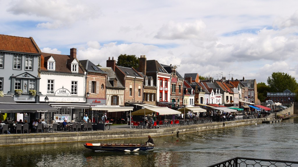 Restaurants lining the port in Amiens