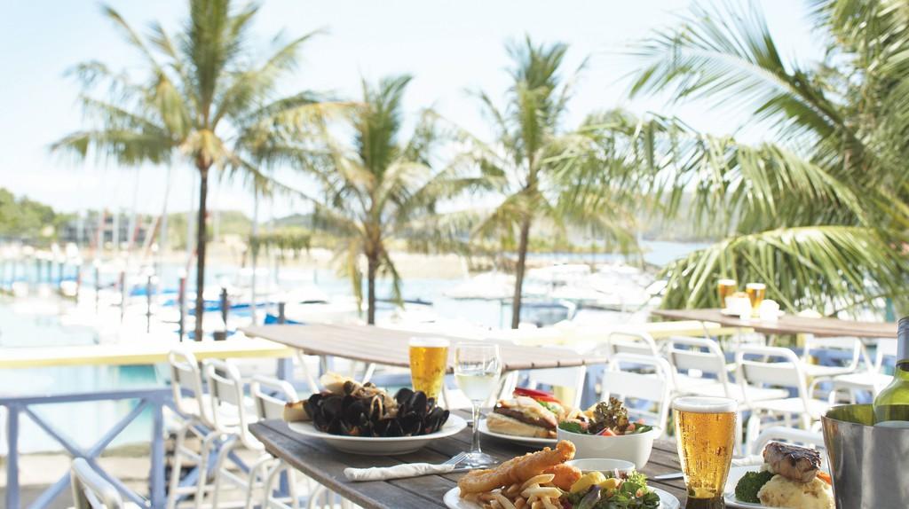 Marina views and pub fare at Marina Tavern
