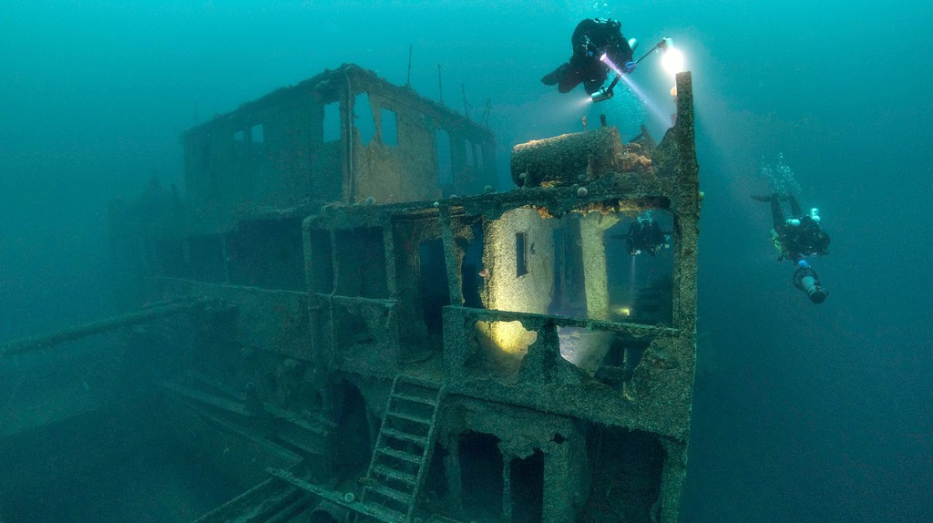 At Gulen Dive Resort you'll get the chance to explore many shipwrecks