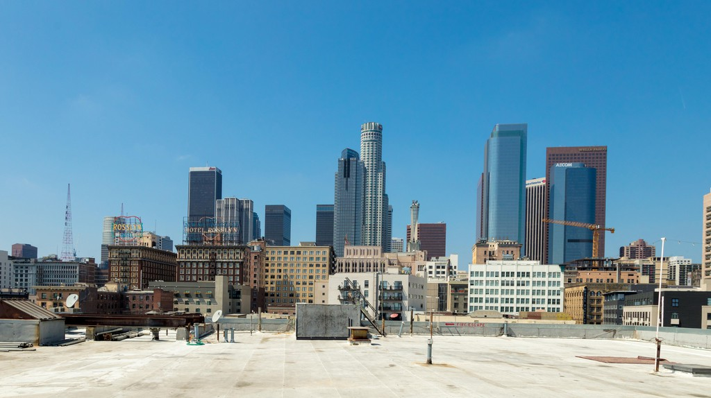 Hotels in Los Angeles offer plenty of rooftop views