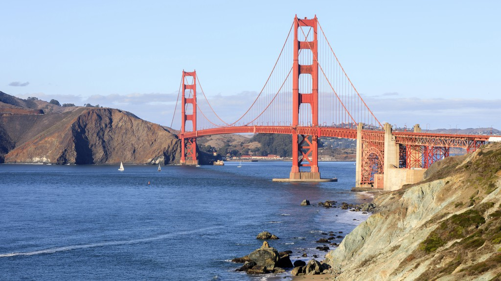 San Francisco has a mixture of luxury hotels, both grand and trendy