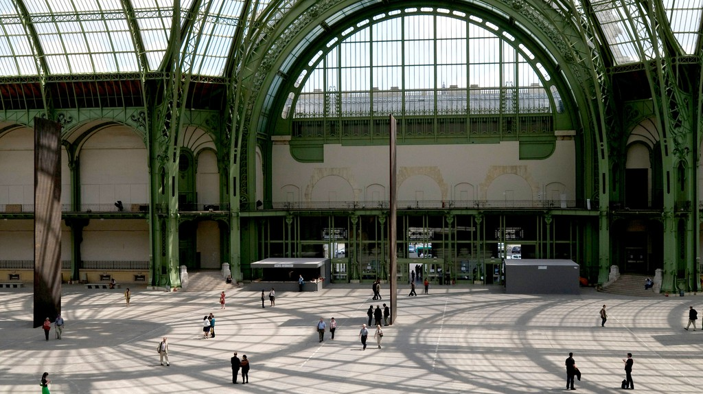 The Grand Palais houses a variety of contemporary photography, imposing sculptures and classical paintings