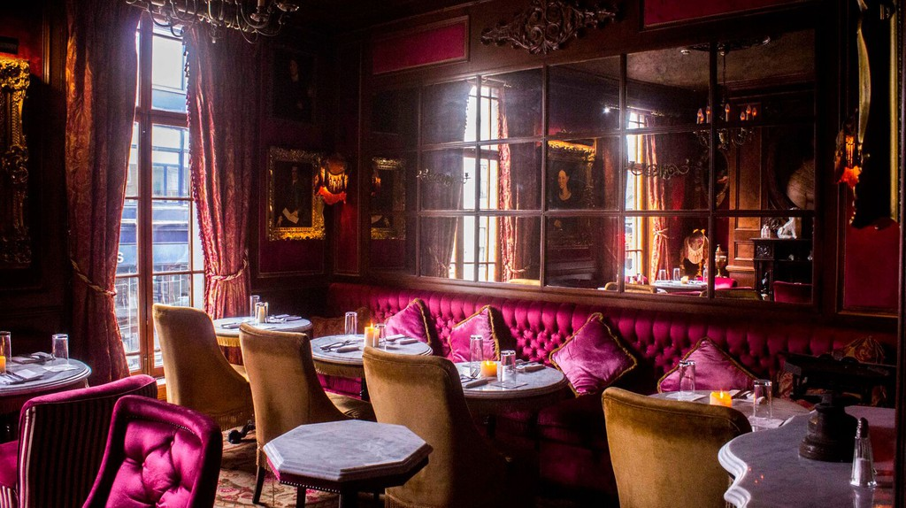 Peruke and Periwig features elegant interiors in which to imbibe and dine