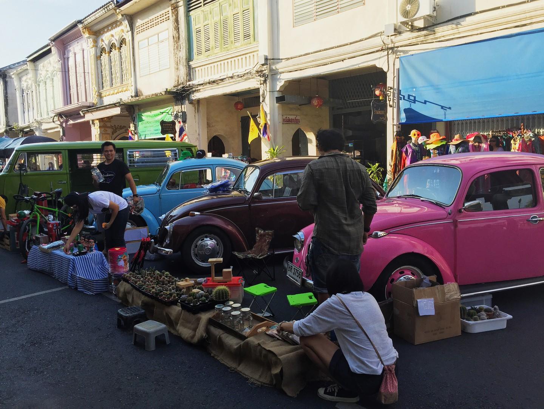 Mercado de fin de semana de Phuket Town | © Cortesía de mojojo.cn/Flickr