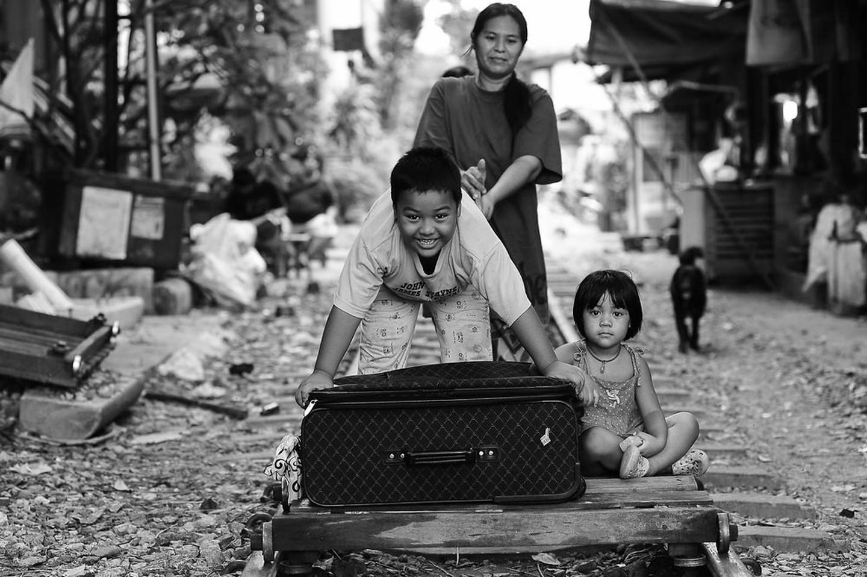 Niños tailandes sonriendo