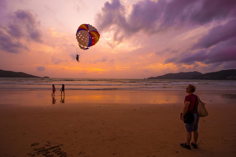 Una impresionante puesta de sol en Patong