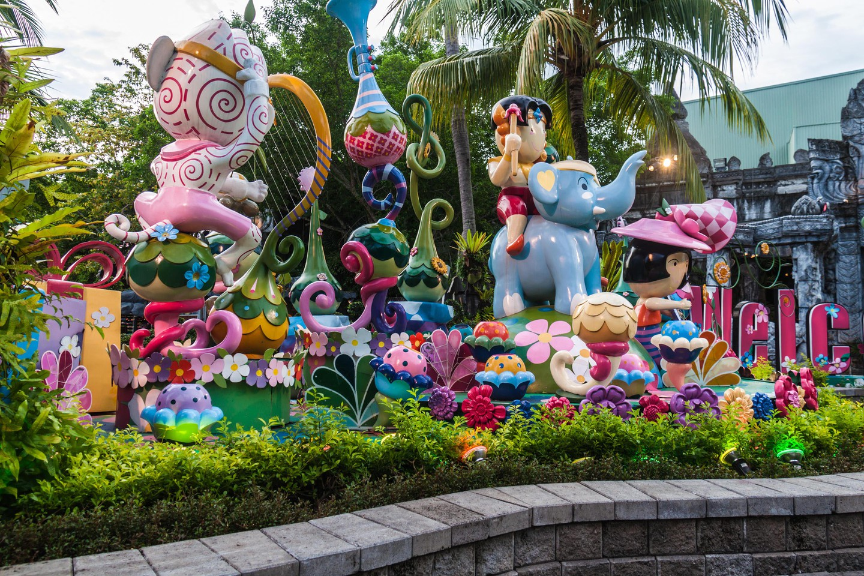 Entrada a FantaSea, un importante parque temático y espectáculo en Phuket, Tailandia