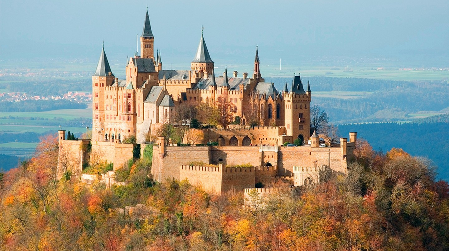 Hohenzollern Castle, Stuttgart, Germany | ©Jim Trodel /Flickr