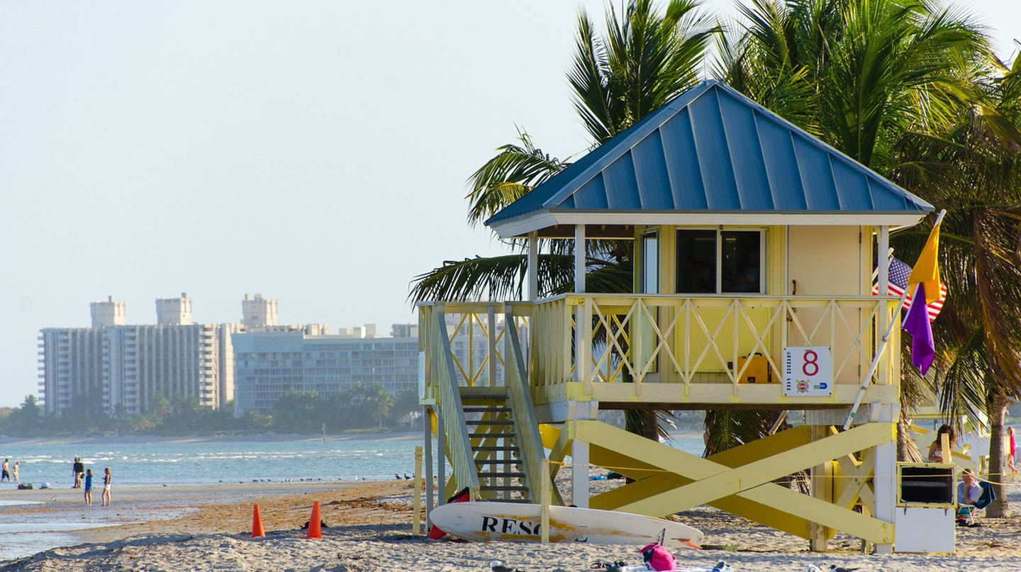 Miami is just right for al fresco dining: with perfect beach weather and more paradise patios than you can count / Pixabay