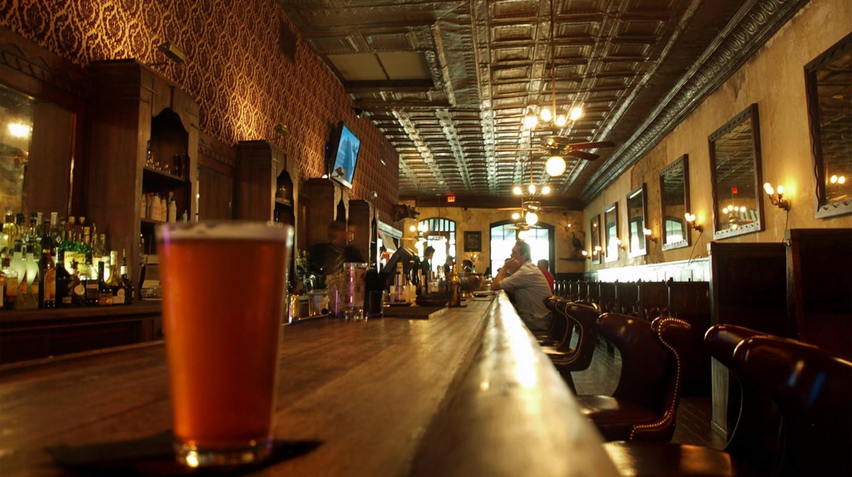 Esquire Lounge San Antonio | © H. Michael Karshis/Flickr