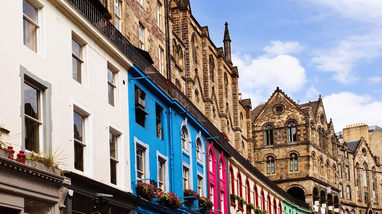 Old Town Edinburgh, Scotland | © Justin Black/Shutterstock