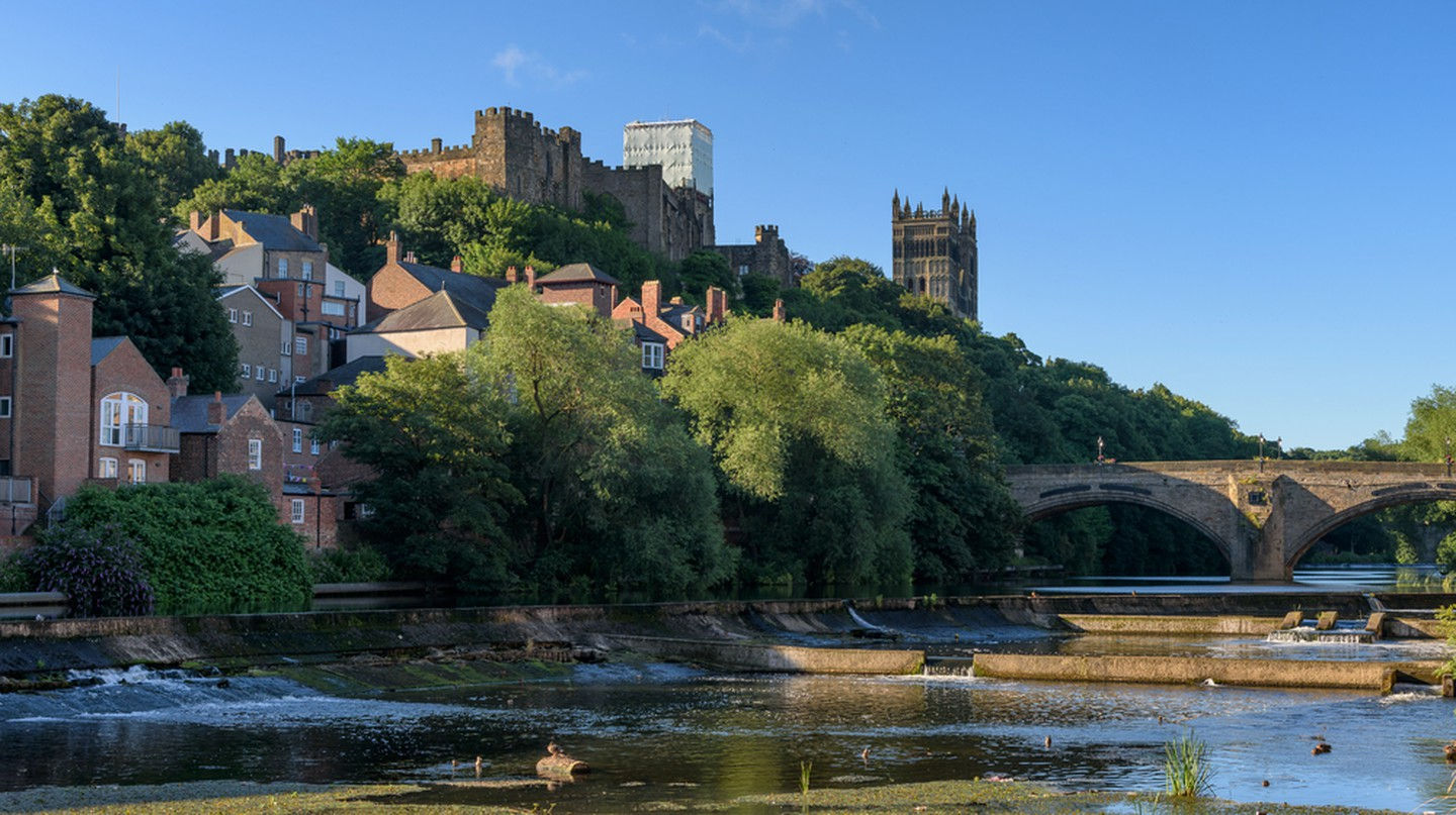 Durham City a historic town by the river wear, England | © Shahid Khan/Shutterstock