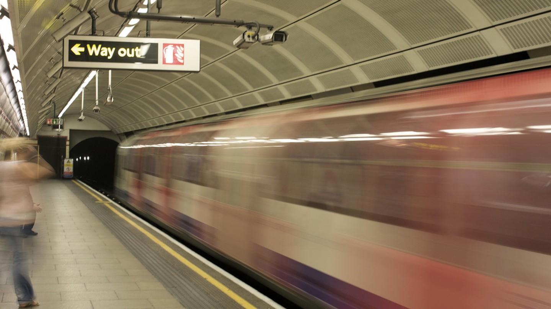 Bethnal Green Tube | ©Richard Grant/Flickr