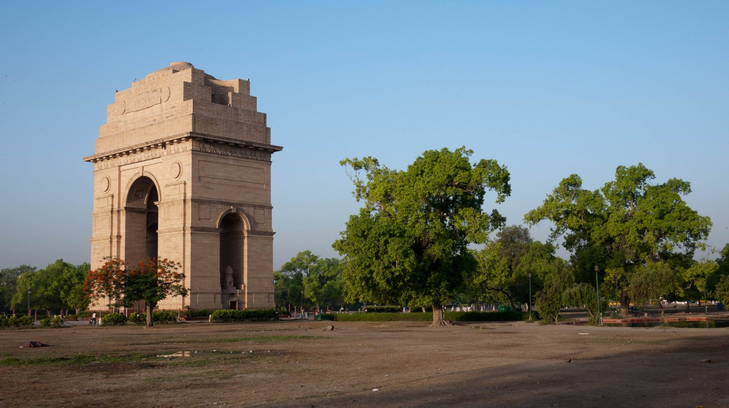 India Gate, New Delhi |© jeffhutchison/Flickr