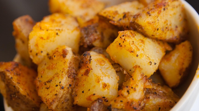Seasoned Potatoes | © Steven Depolo/Flickr
