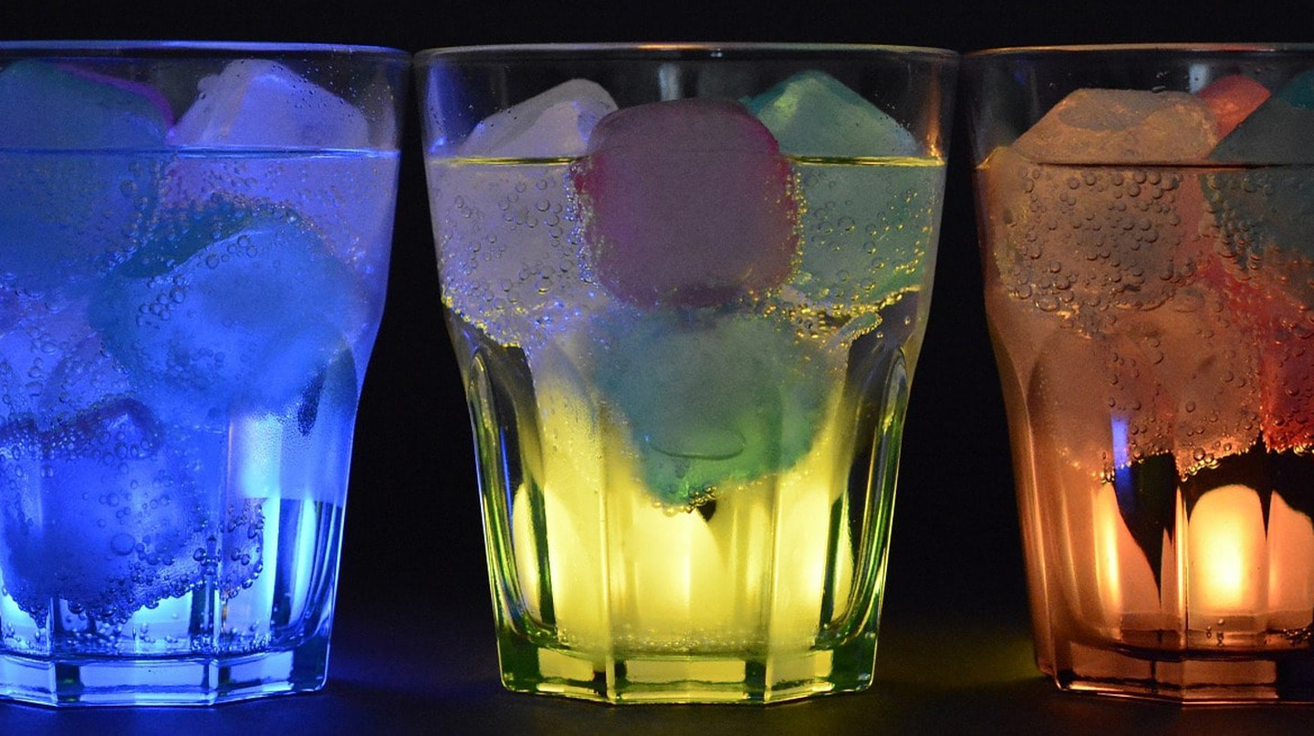 Drinks inspired by the Romanian flag © annca/Pixabay