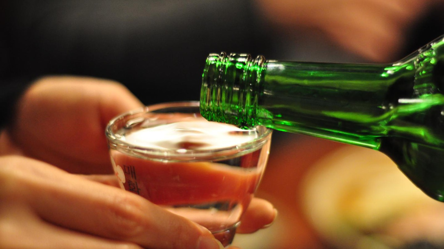 Soju time | © Graham Hills / Flickr