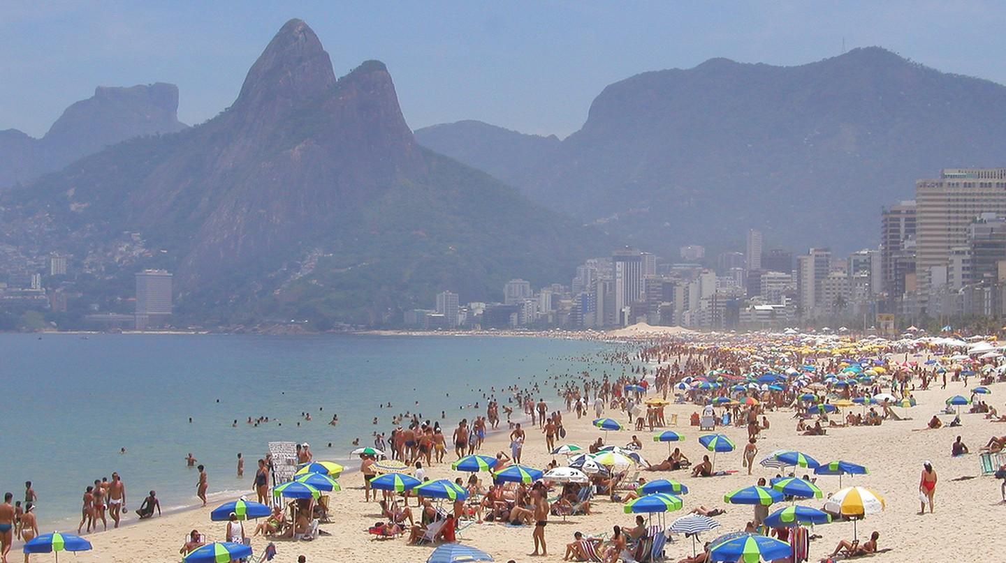 Copacabana Beach © ToddonFlickr  /Flickr