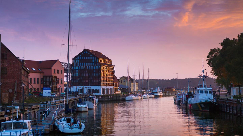 Klaipeda at sunset | ©PROSlGN/Shutterstock