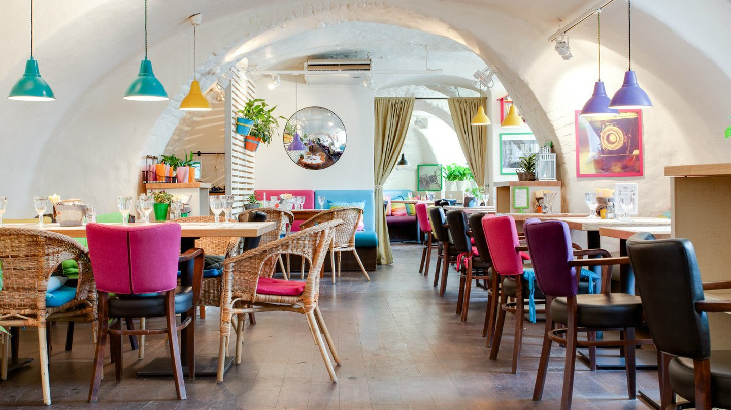 The 10 Best Brunch Spots in St Petersburg, Russia