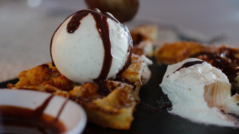Belgian Waffles and Icecream |© Luigi Mengato/Flickr