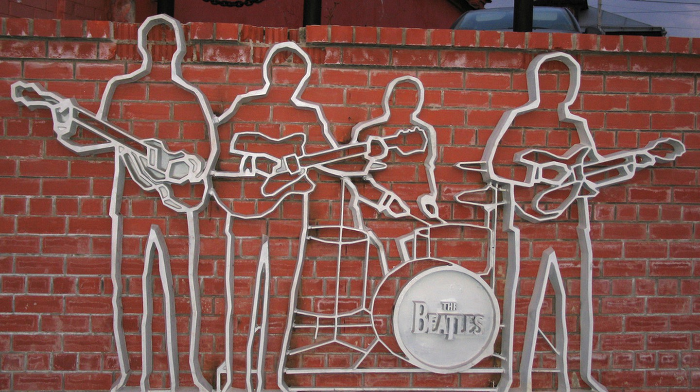 Monument to the Beatles   © yachmenev/ Wikipedia Commons