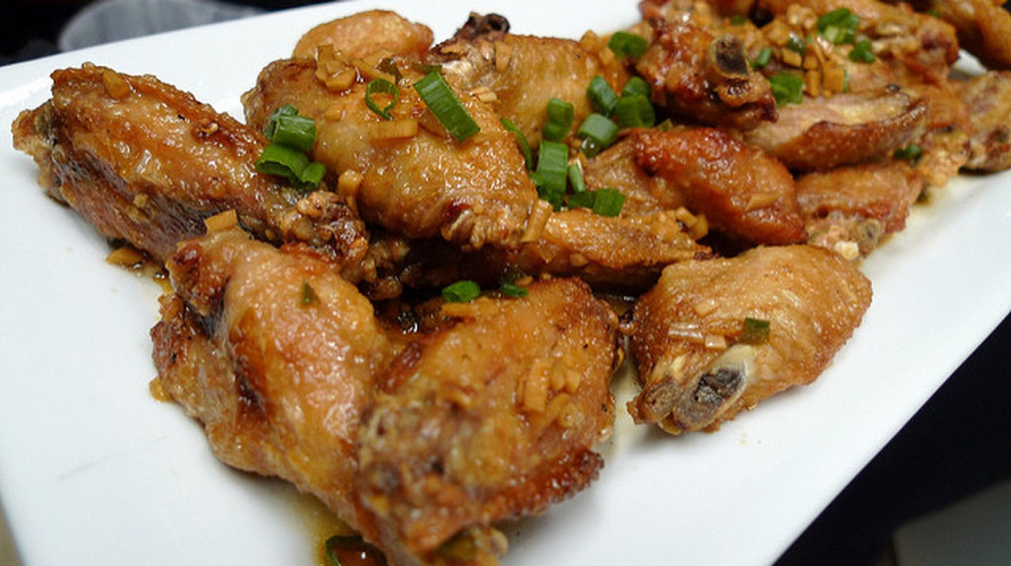 Chicken Wings | © Arnold Gatilao/Flickr