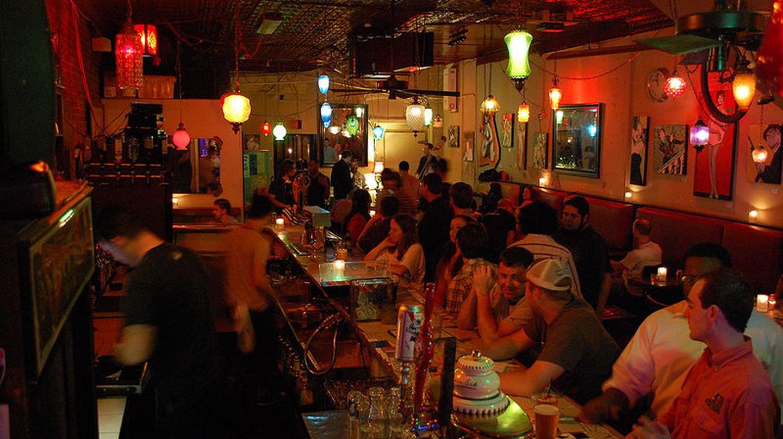 Bar © JCWilmore/WikiCommons