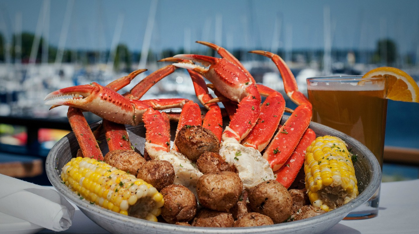 Snow crab legs at Dockers Fish House | Courtesy Dockers Fish House
