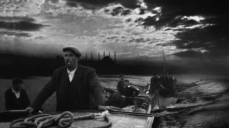 Kumkapi fishermen in the early morning, Istanbul 1950 © Ara Guler