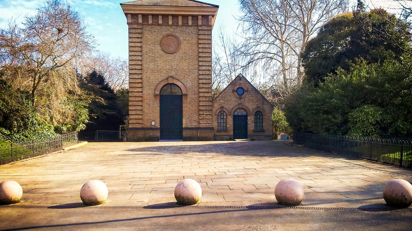 Photos taken on a beautifully sunny day at Battersea Park, London.