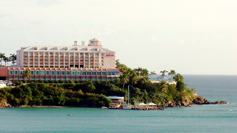 "<span style=""color: #808080;""><a style=""color: #808080;"" href=""https://www.flickr.com/photos/travelingotter/1485957260/in/photolist-62RL6u-5uua1o-hZ7qHj-rCcUL-5upLsn-3giVjL-dXdmJv"" target=""_blank"">Marriott Hotel |© Traveling Otter/Flickr</a></span>"