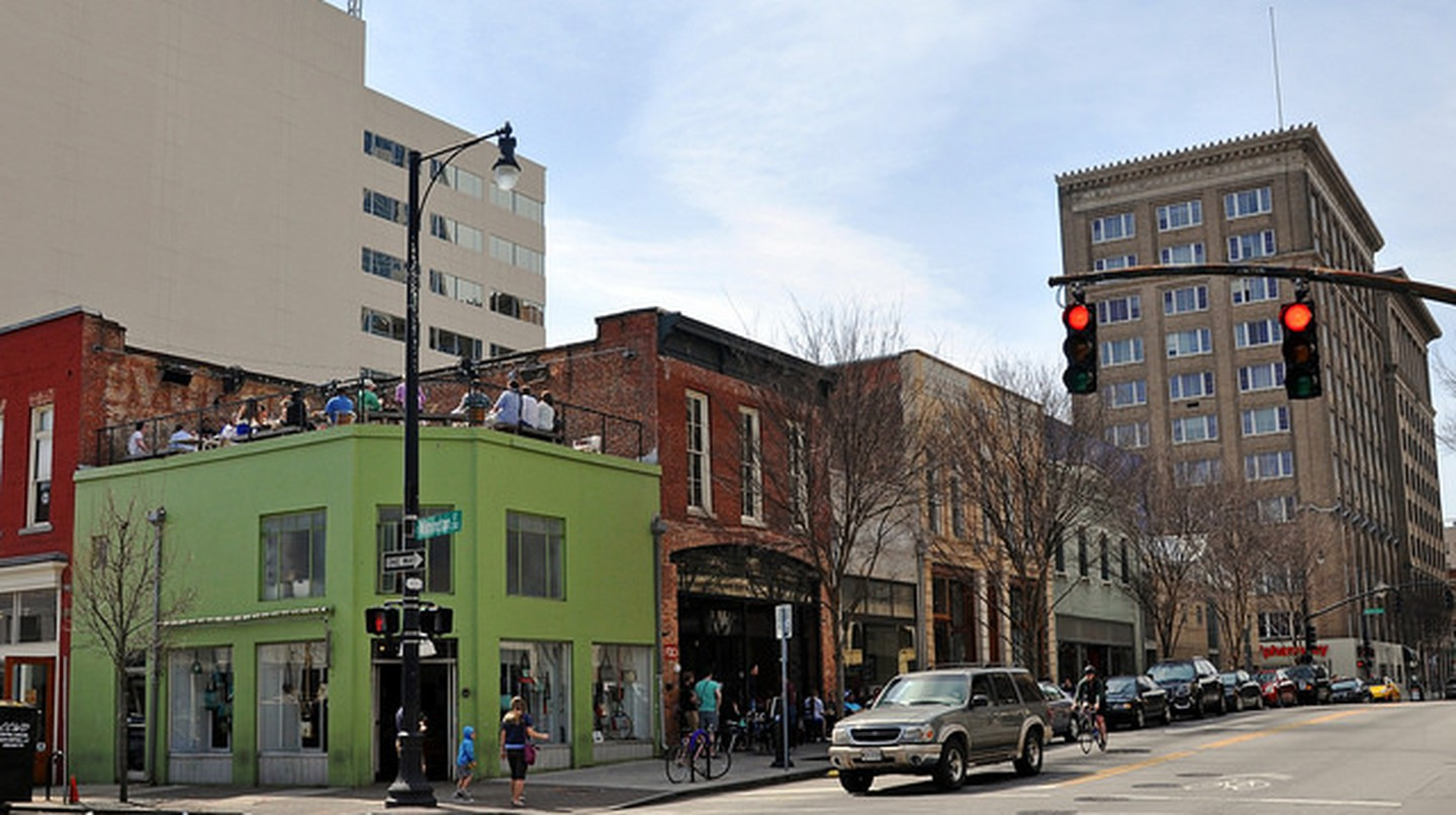 Downtown Raleigh, NC  Raleigh Times bar | © James Willamore/flickr