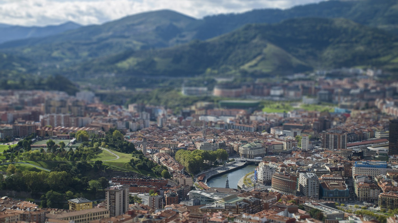 Bilbao TinyShift II © KΛ13/Flickr