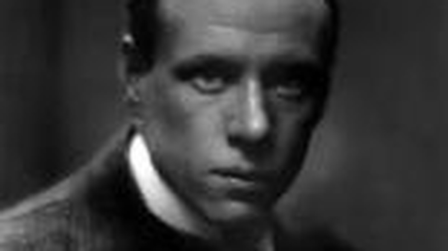 Sinclair Lewis: Unravelling  the American Dream