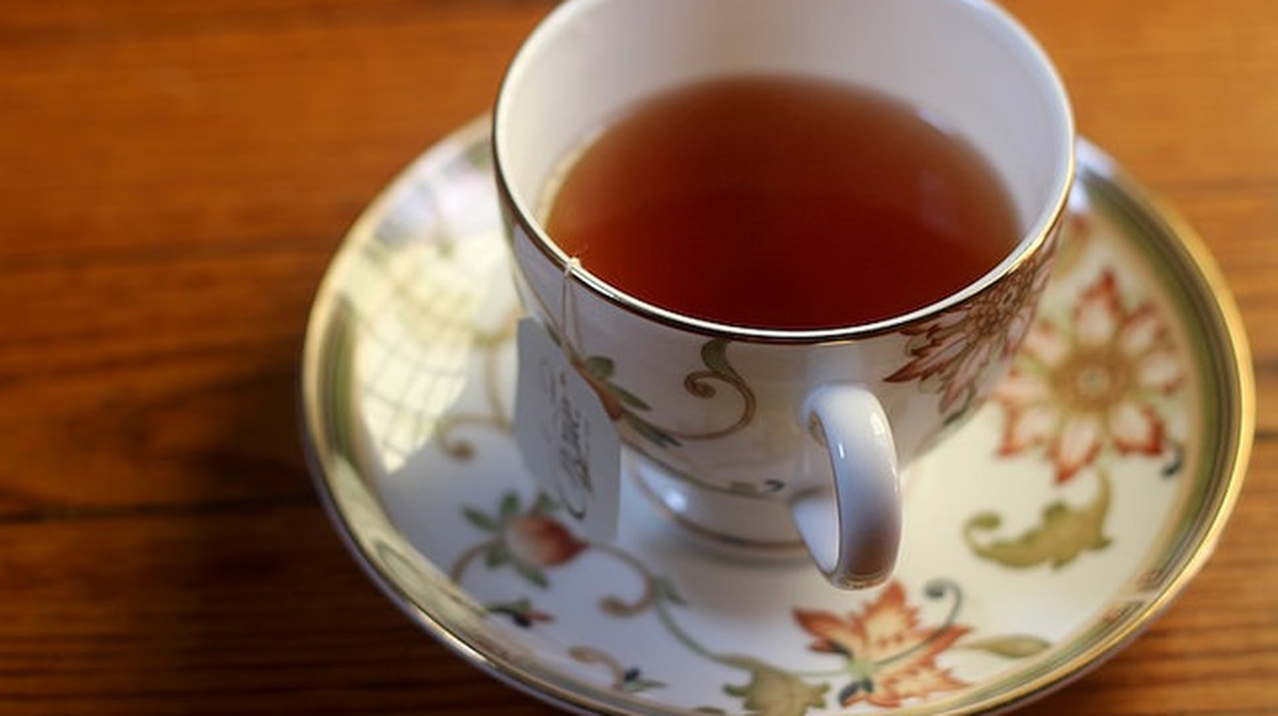 Choice Organic Tea on Red Oak Floor | © Tweetspeakpoetry/flickr