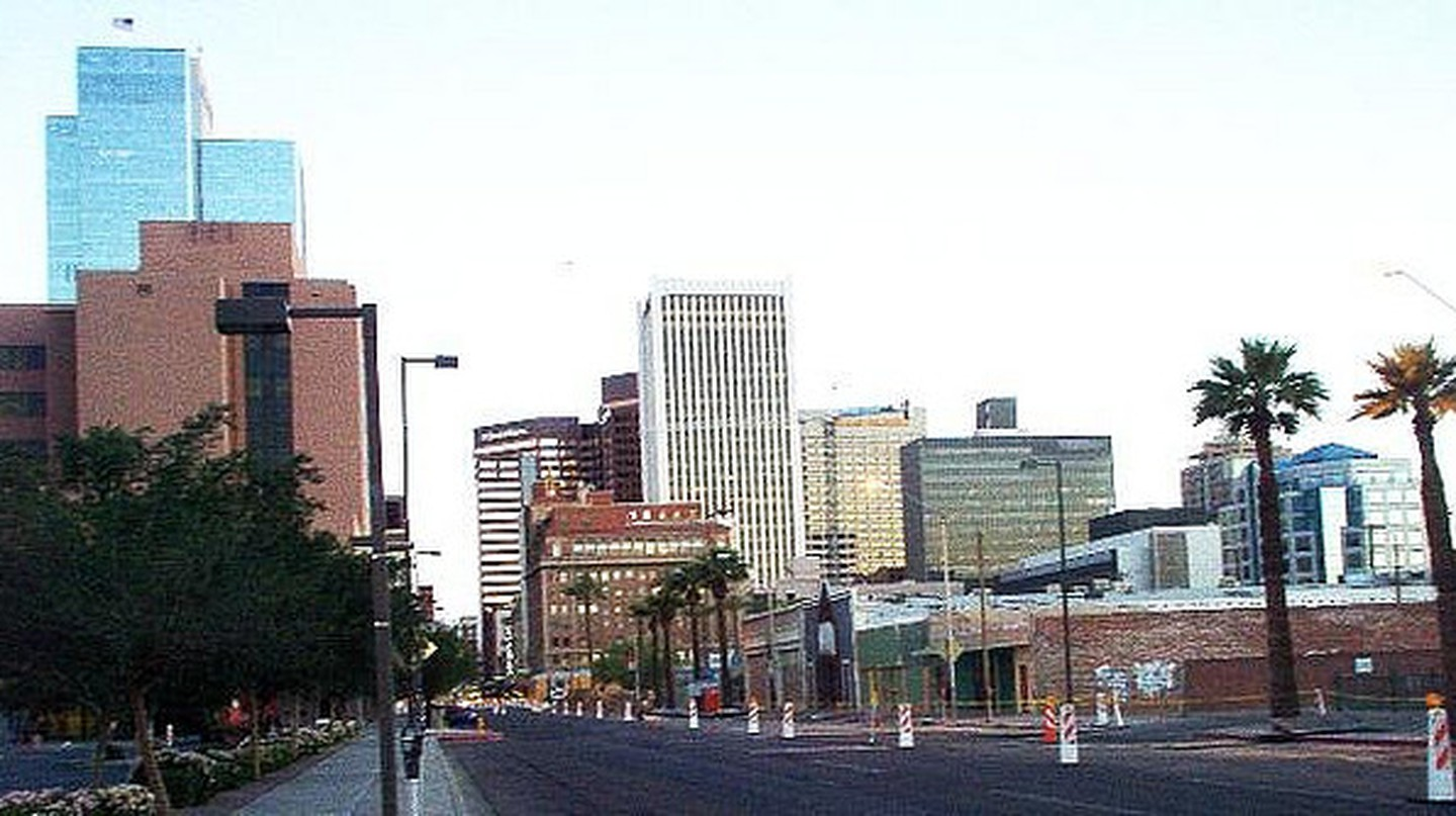 Southbound on Central, Phoenix | © sean horan/Flickr