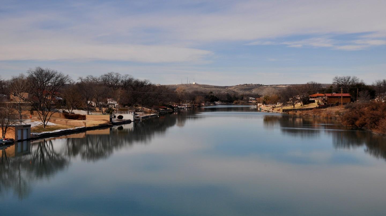 The Pecos River through Carlsbad | © Clinton Steeds/Flickr
