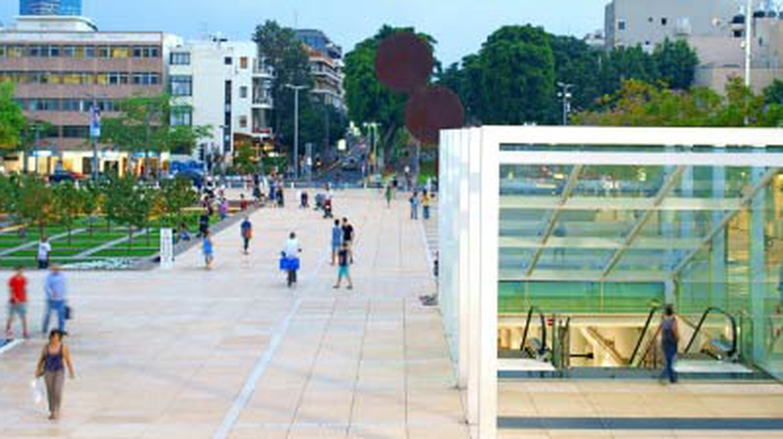 Ido Biran: A Visual Chronicler of Tel Aviv's Urban Space