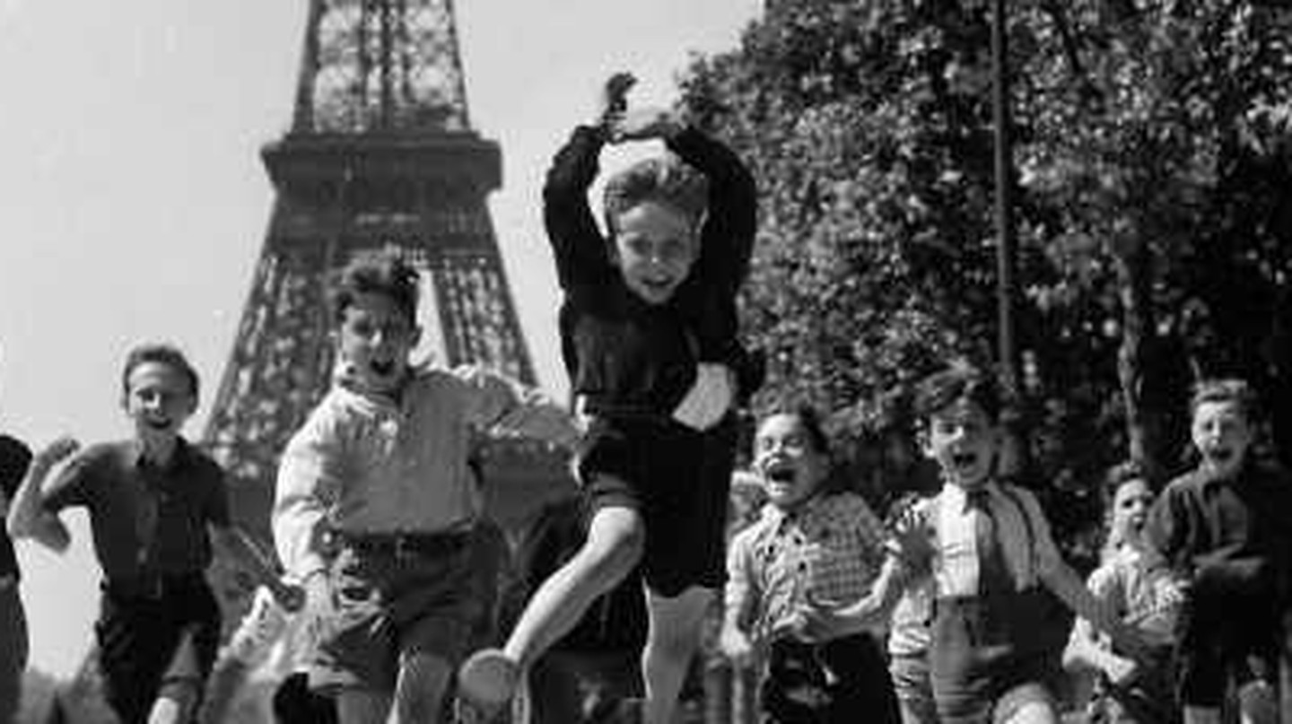 Paris Through A Lens: An Introduction To Robert Doisneau