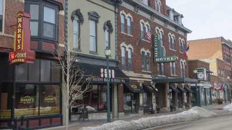 The Top 10 Local Restaurants In Cedar Falls, Iowa