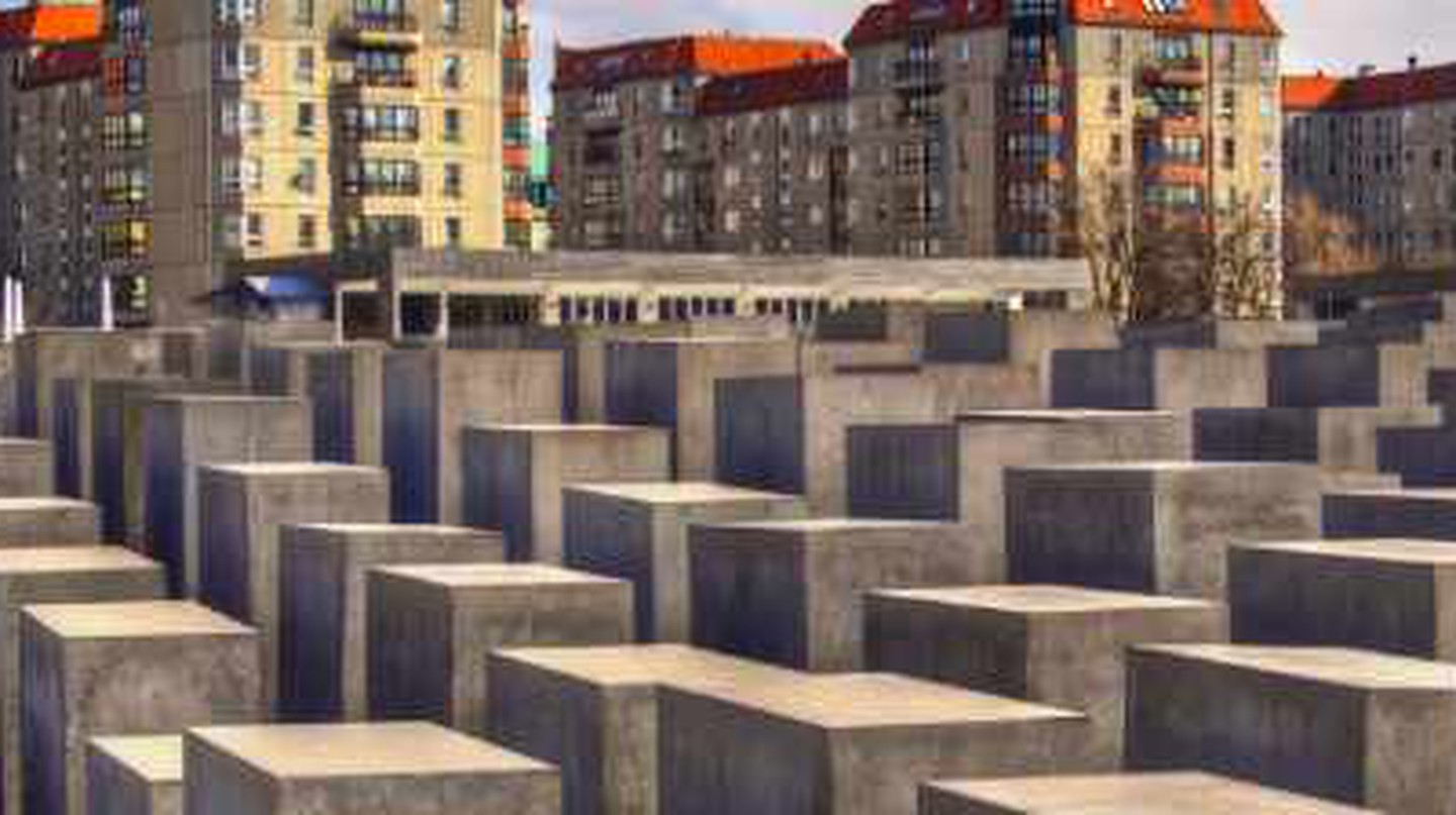 Perplexing Monuments: Germany's Holocaust Memorials
