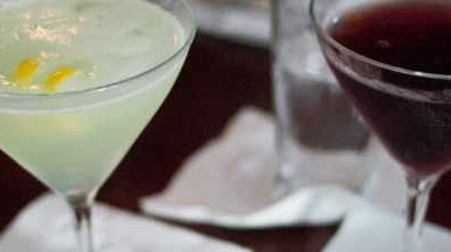 The Best Cocktail Bars In Cleveland