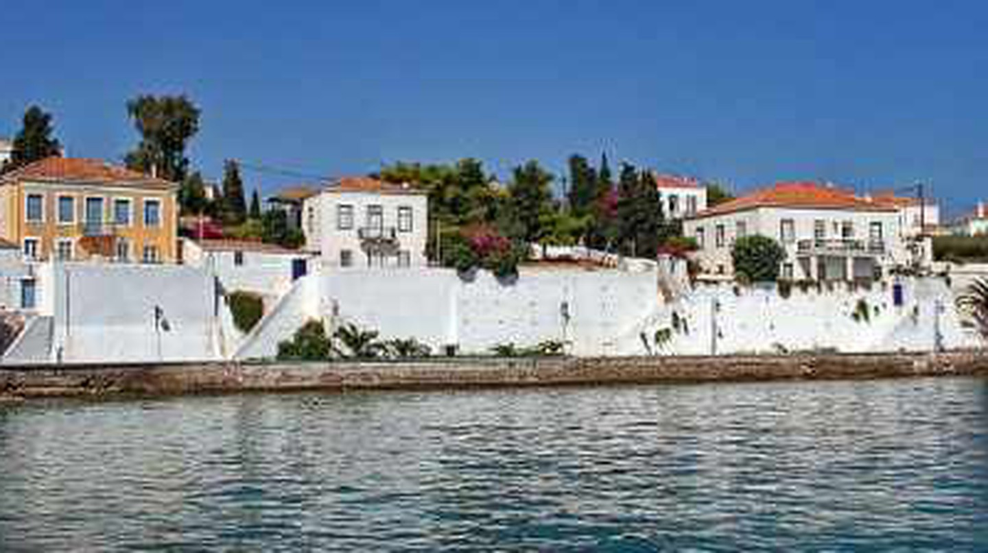 Top Things To Do and See in Spetses, Greece