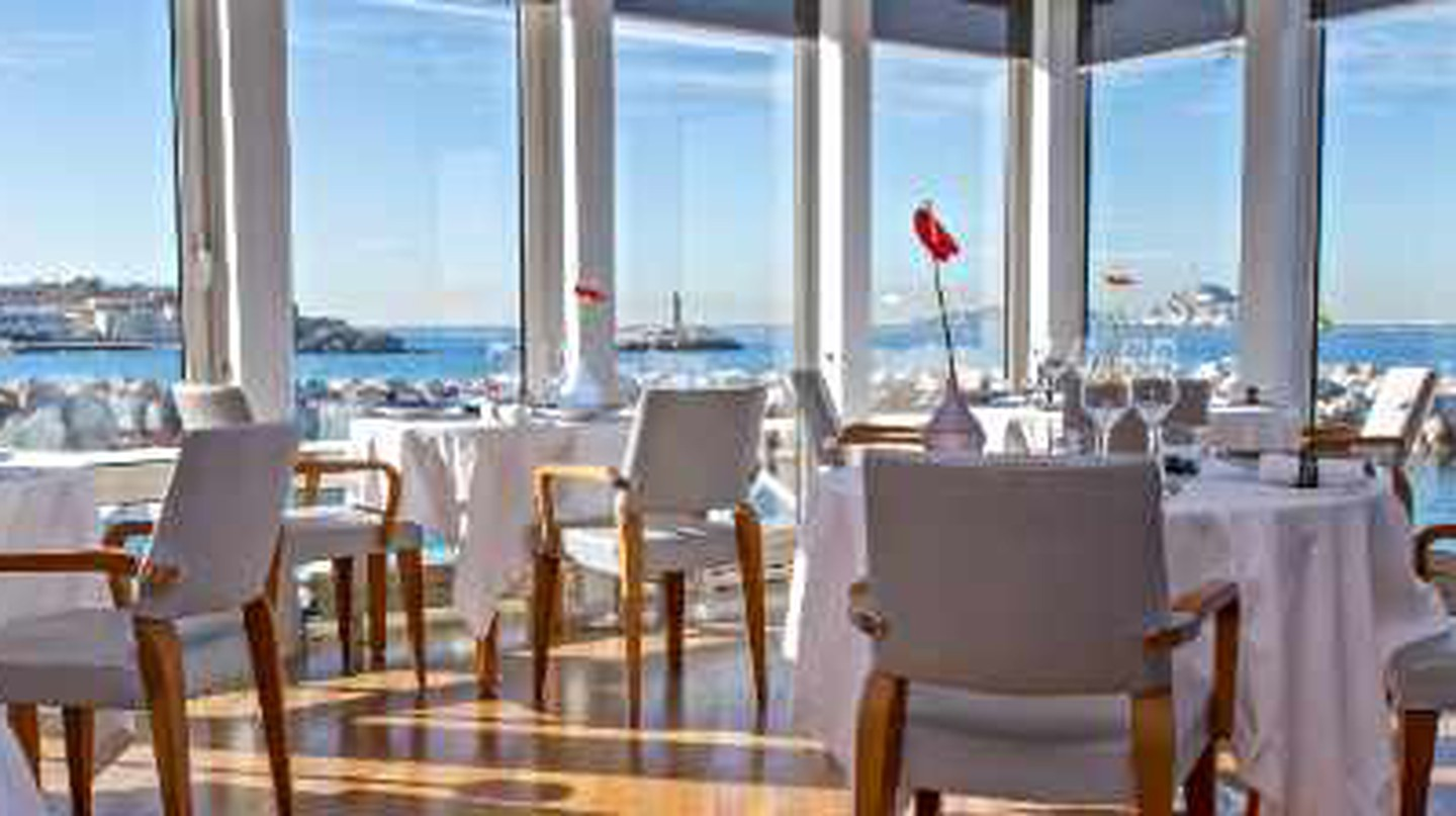 The 10 Best Restaurants In The Old Port Of Marseille, France